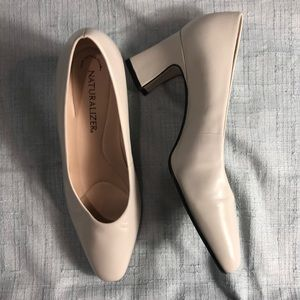 Naturalizer Cream Heels, Size 7